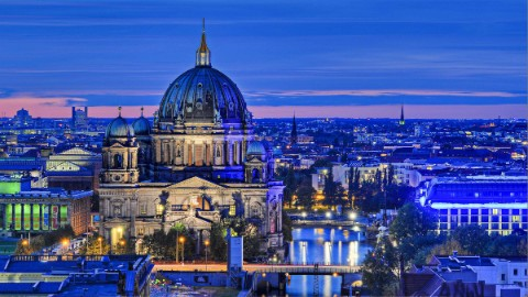 Image 3: Berlin Cathedral and DomAquarée at sunset.
